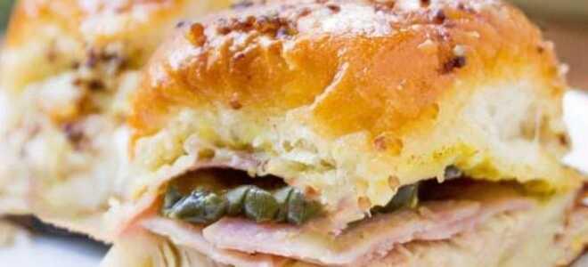 Румяные сэндвичи по-кубински со свининой