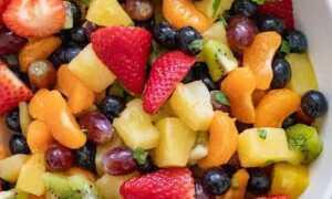 Легкий фруктово-ягодный салат с медовым соусом. Звон витаминов и свежести