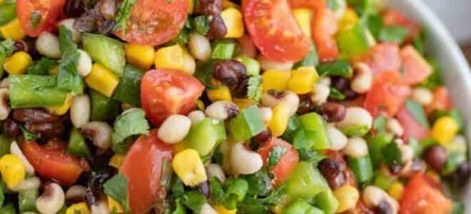 Красочный салат по-техасски «Икра по-ковбойски» с кукурузой, фасолью и помидорами