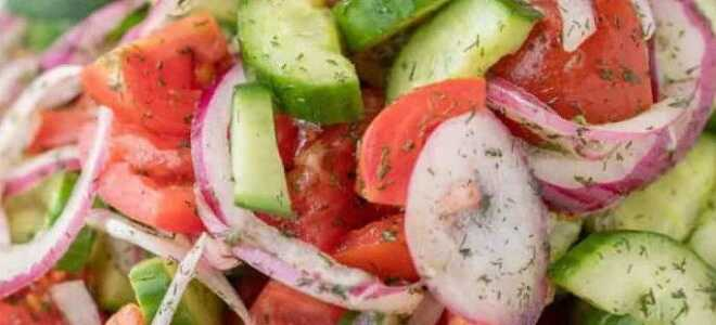 Освежающий летний салат с огурцами и помидорами за 10 минут