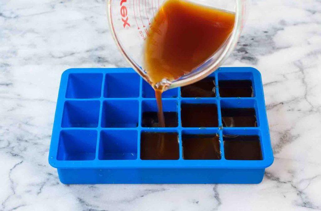 Кубики льда в форме
