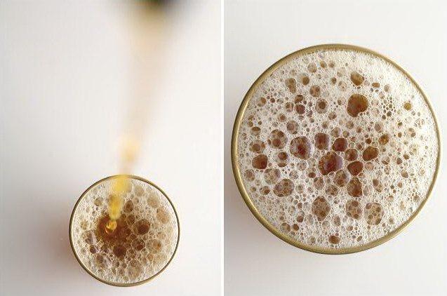 Пенка на марокканском чае с мятой в стакане