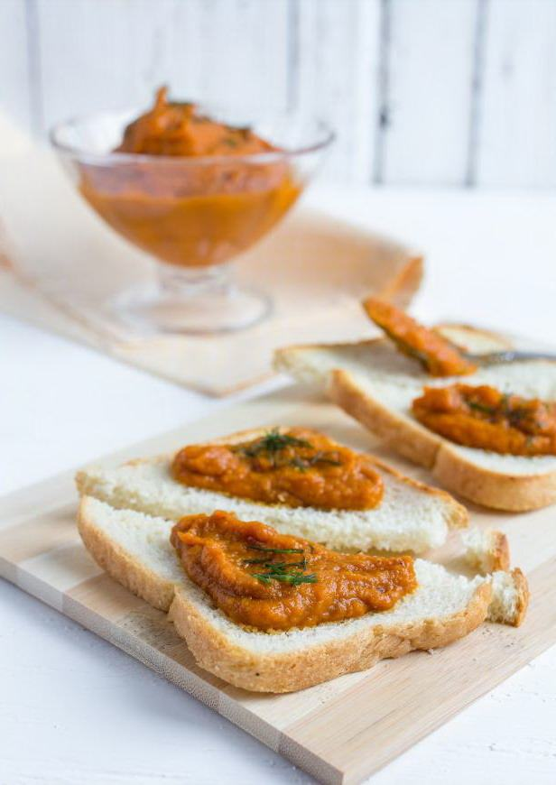 Бутерброды с баклажанной икрой