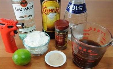 Ингредиенты для кофе по-испански с ликерами