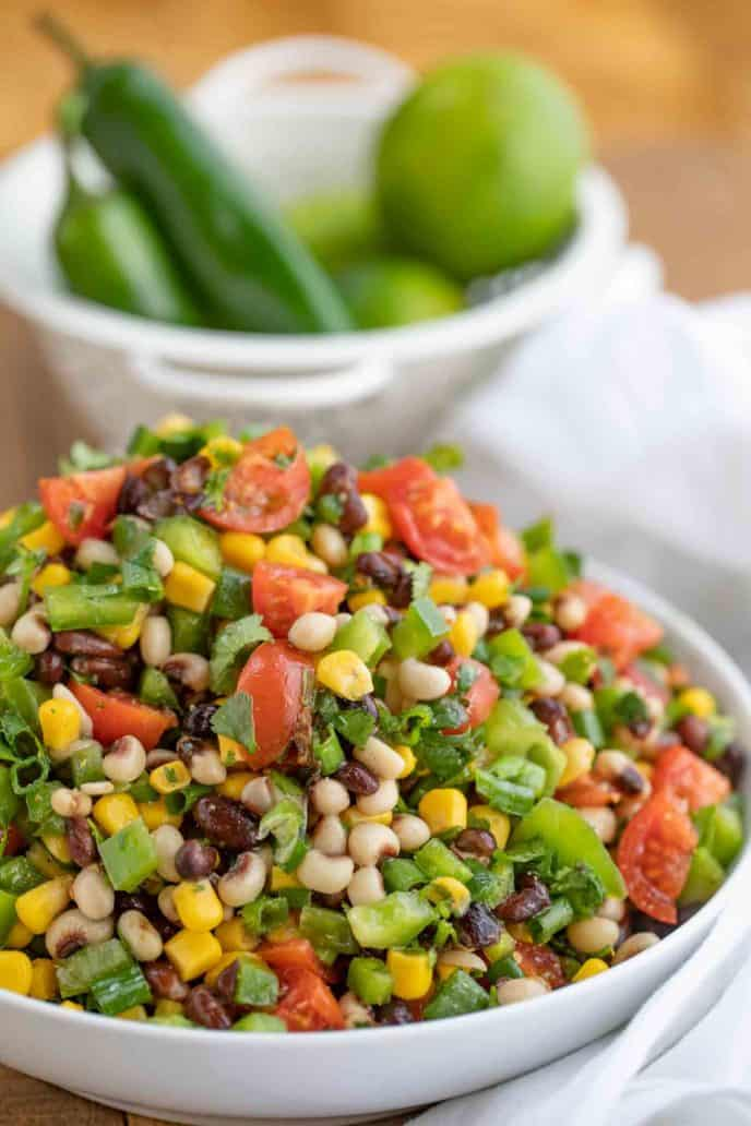 """Яркий мексиканский салат """"Икра по-ковбойски"""""""