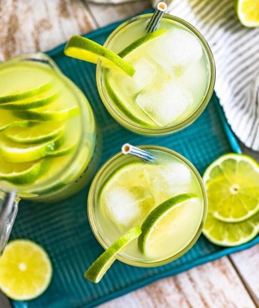 Напиток лаймад в стаканчиках по простому рецепту