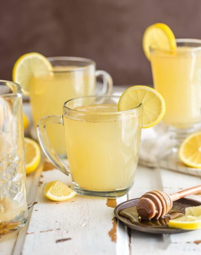 Детокс лимонад в чашках